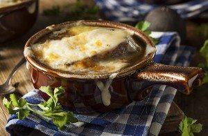 zuppa di cipolle al camembert