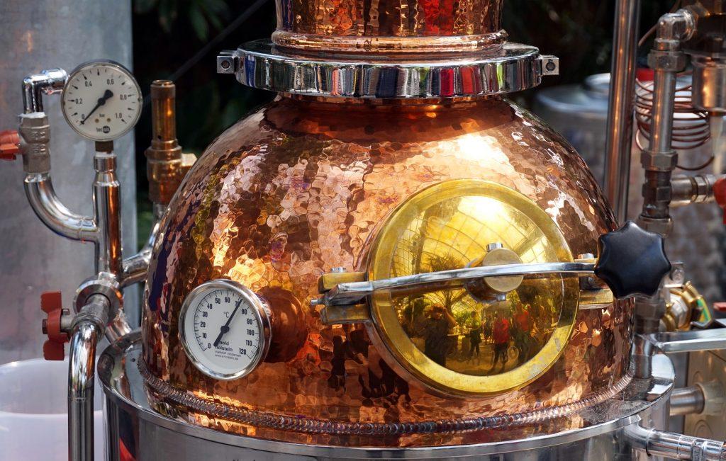 Distillati e liquori francesi, il fascino discreto di un'arte antica.