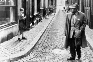 Georges Simenon, à Liège, en 1953. © Reporters