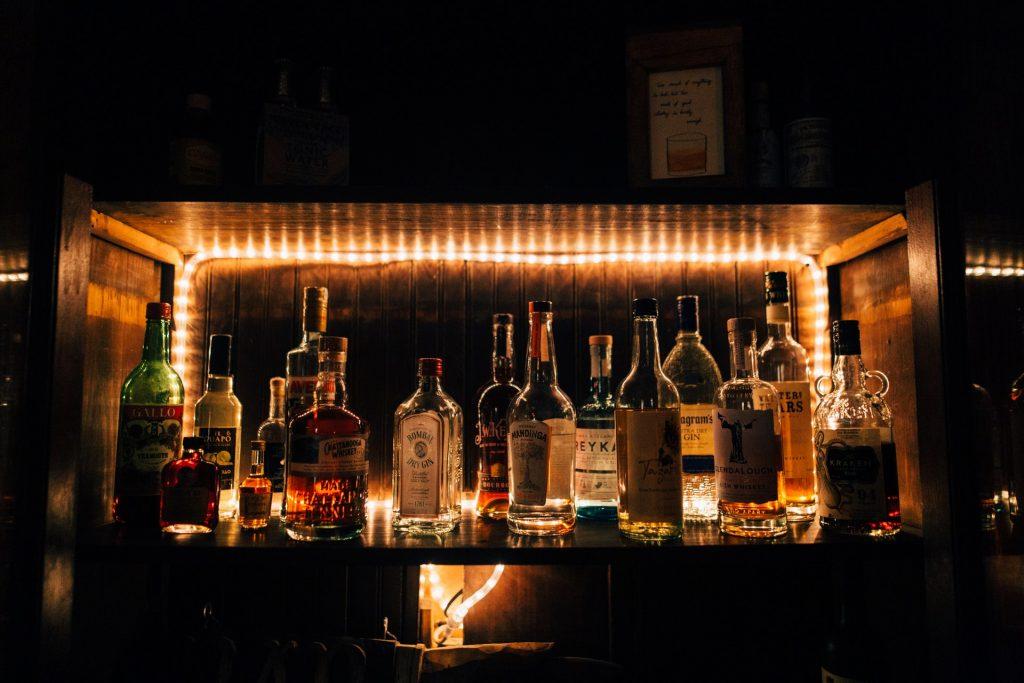 Distillati e liquori francesi da collezionare. un ottimo investimento.